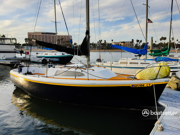 Rent a Columbia daysailer & weekender in Marina del Rey, CA near me