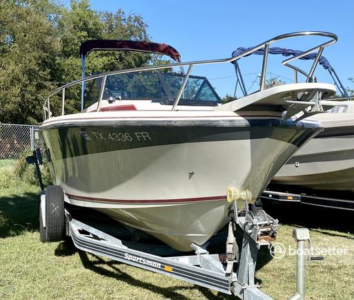 Rent a Pro-Line Boats walkaround in Denison, TX near me