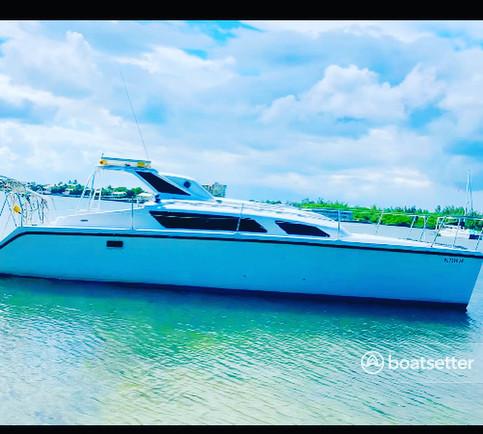 Rent a Catamaran Cruiser catamaran in Miami Beach, FL near me